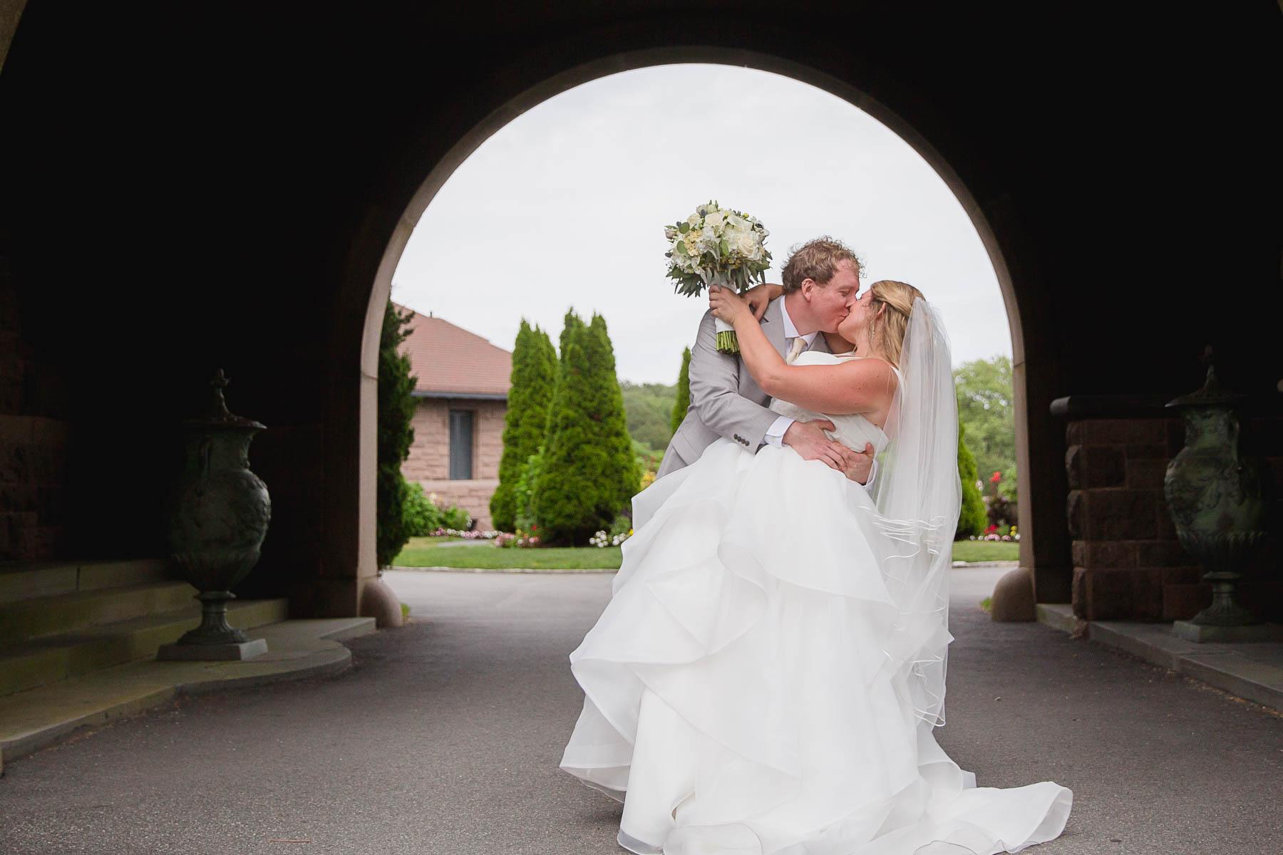 wedding, Rhode Island, beach, photography, couple, love, wedding photography, ocean cliff