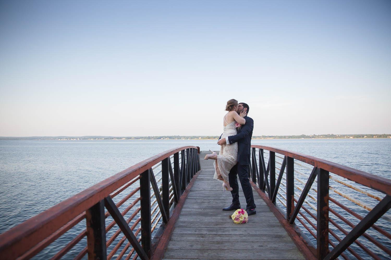 wedding, Rhode Island, beach, photography, couple, love, wedding photography, glen manor